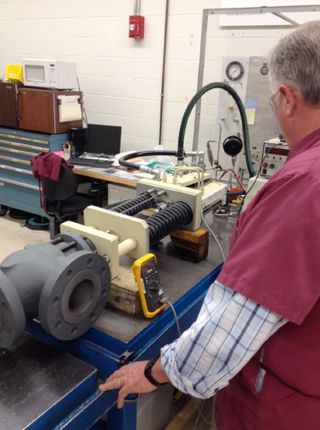Moog-Gas-Turbine-Actuator-being-Tested-after-Overhaul-----